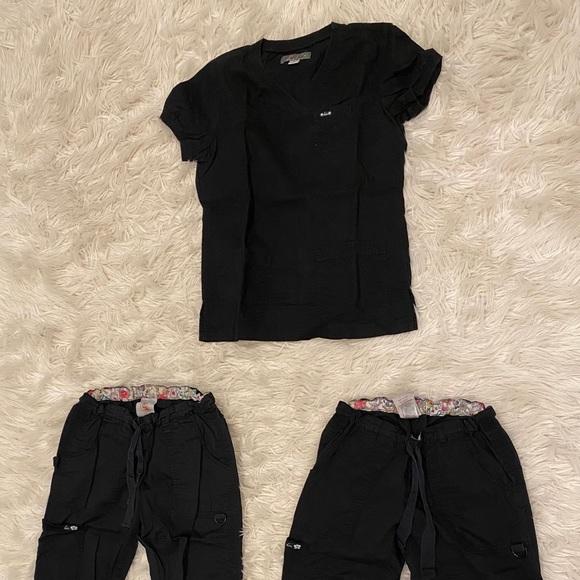 Set of Koi scrubs black
